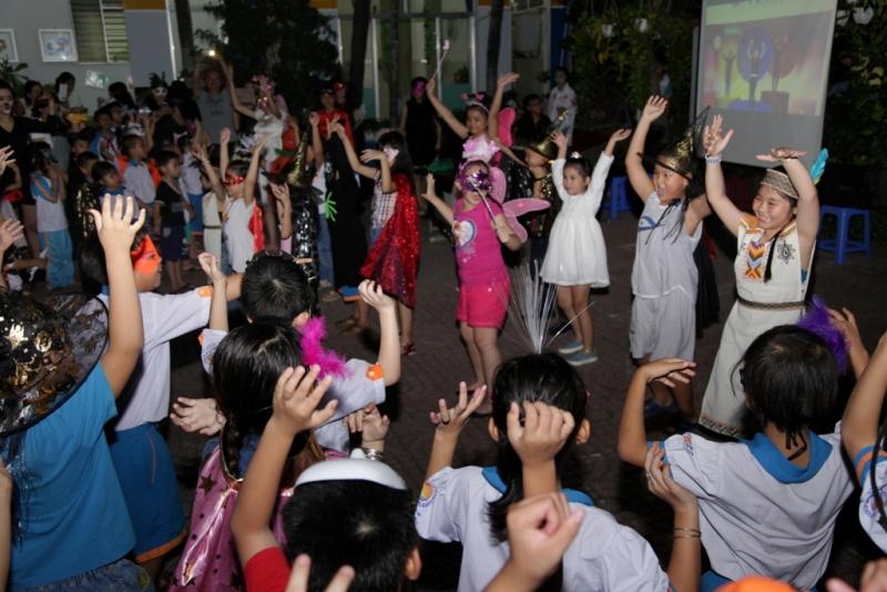 halloween nhut tan school  (1)