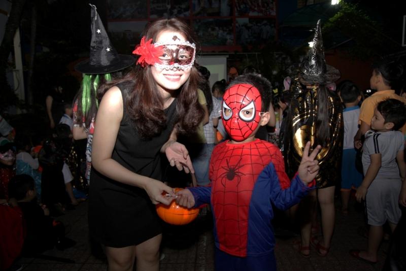halloween nhut tan school  (2)