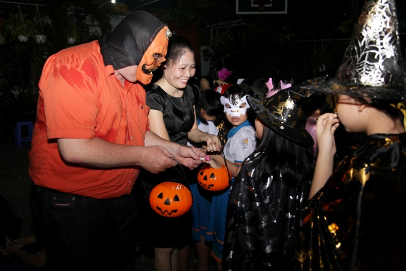 halloween nhut tan school  (3)
